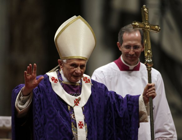 Pope Benedict greets the faithful at Ash Wednesday Mass