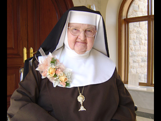 Mother_Angelica_Credit_Eternal_Word_Television_Network_EWTN_US_Catholic_News_4_19_2013
