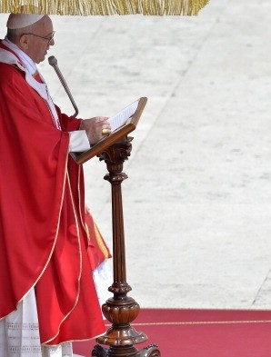 Pope Francis celebrates Mass on Pentecost Sunday with members of Lay Ecclesial Movements