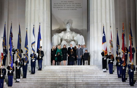 donald-trump-inauguration-lincoln-memorial-family